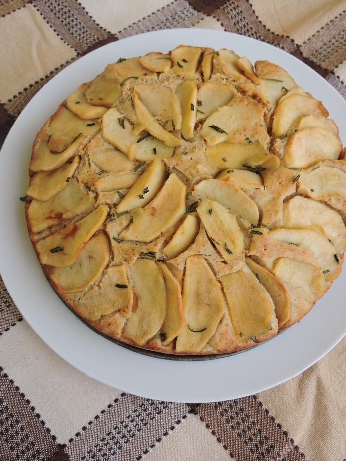ciasto_polzytnie_z_jablkami_i_rozmarynem_moja_toskania
