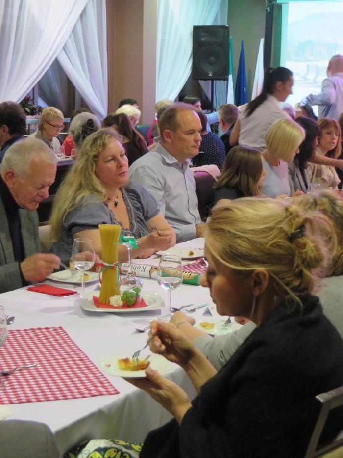 jedzenie_ciasta_z_carrary_moja_toskania