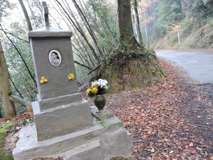 pomnik_elviry_moja_toskania_toiano