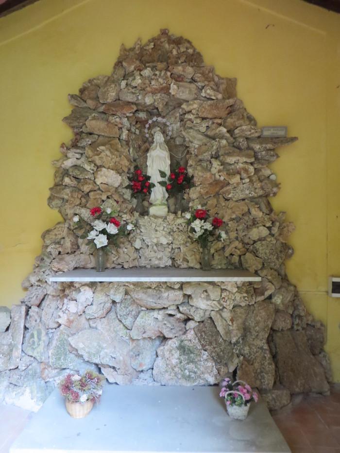 wnetrze_kaplicy_colognora_pescaglia_moja_toskania