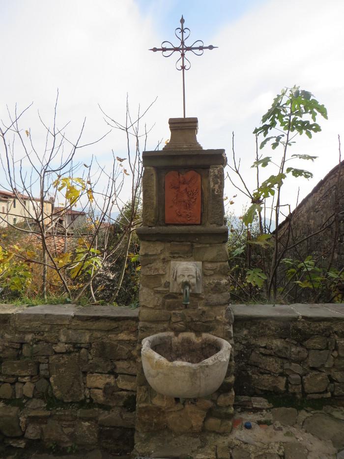 zrodlo_wody_pitnej_moja_toskania_colognora_di_pescaglia