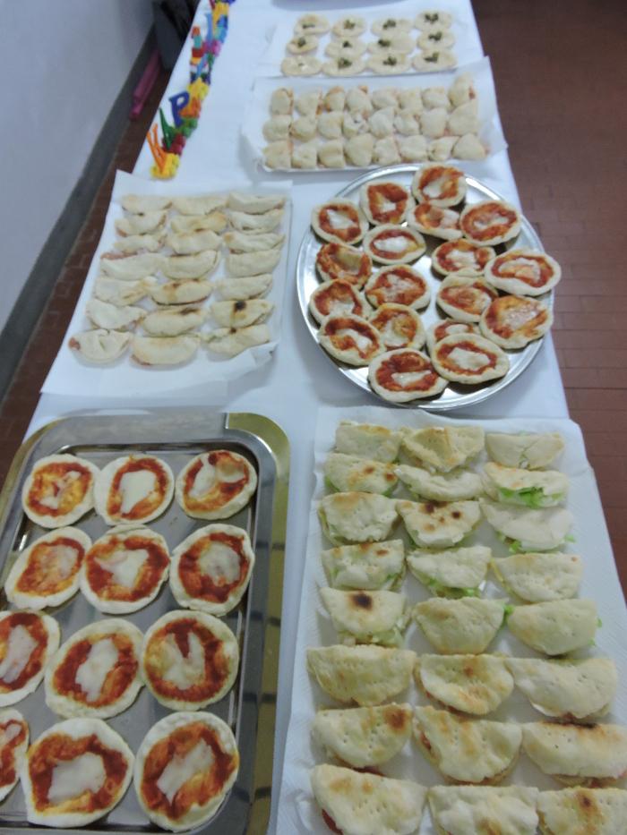 stol_z_jedzeniem_moja_Toskania