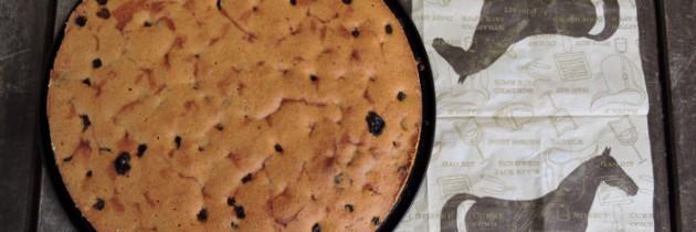 Ciasto kukurydziane z żurawiną i rodzynkami