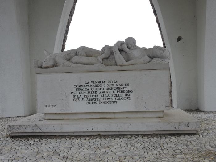 pomnik_matki_z_dzieckiem_moja_toskania_sant_anna_di_stazzema