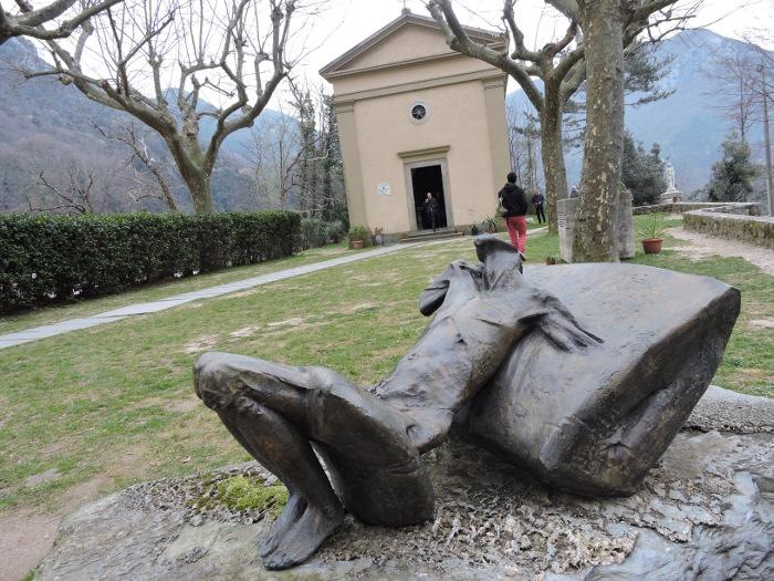 Rzezba Novello Finotti z 2005 roku