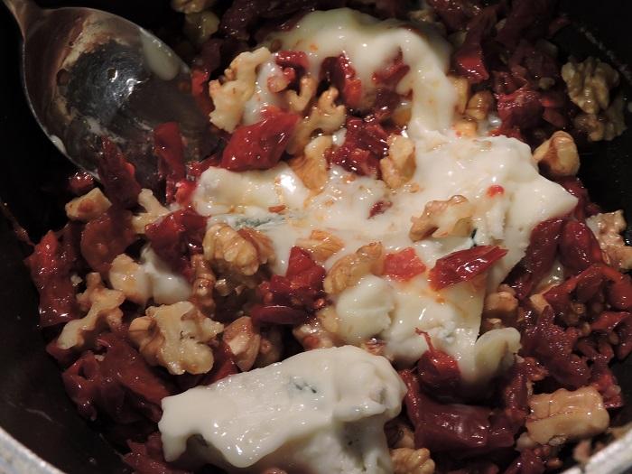 gorgonzona_suszone_pomidory_orzechy_moja_toskania