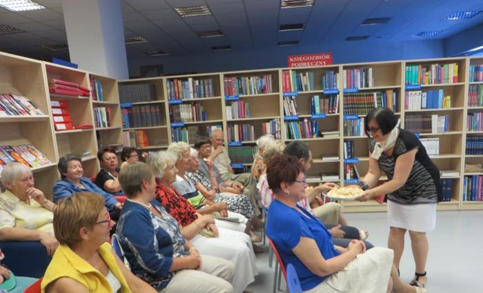 poczestunek_w_bibliotece_w_strzelinie_moja_toskania
