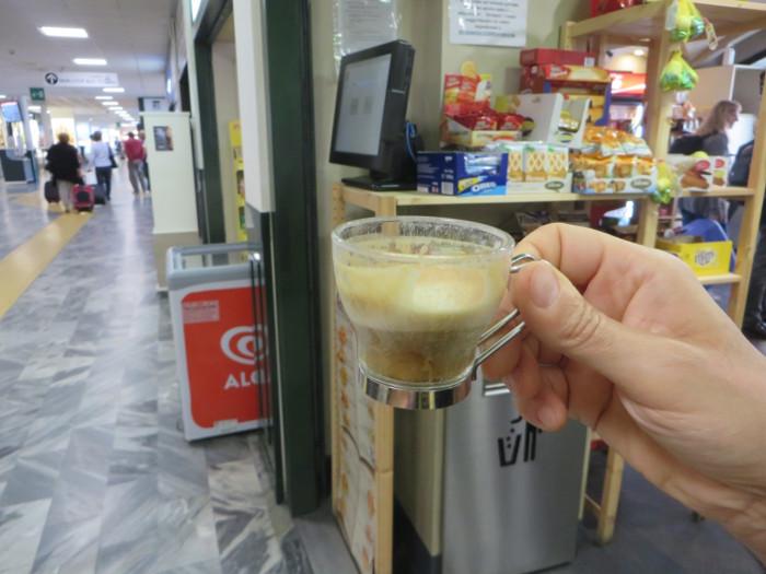 kawa_na_lotnisku_w_pizie_moja_toskania
