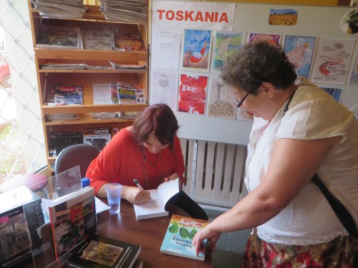 podpisywanie_ksiazek_moja_Toskania