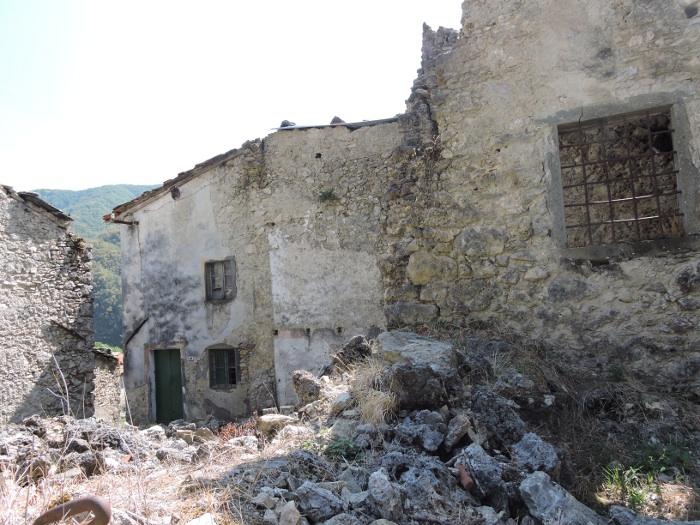opuszczone_domy_col_di_luco_moja_Toskania
