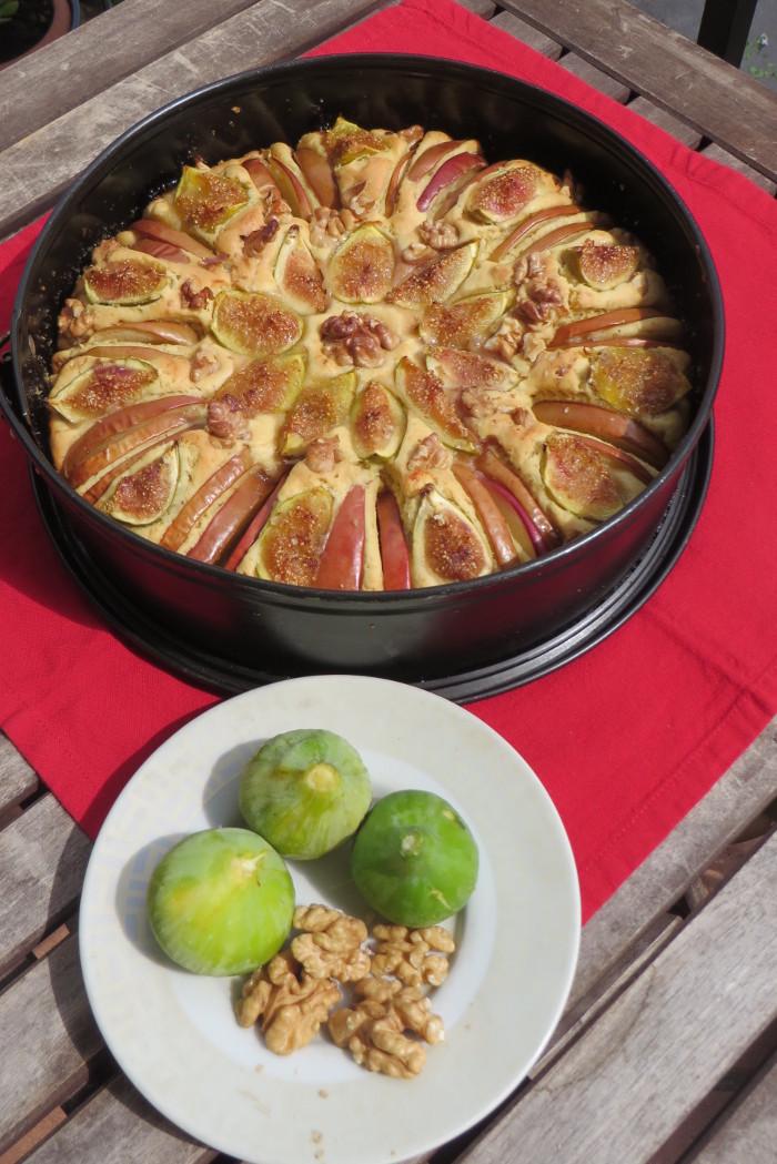 ciasto_z_figami_jablkami_orzechami_wloskimi_moja_toskania