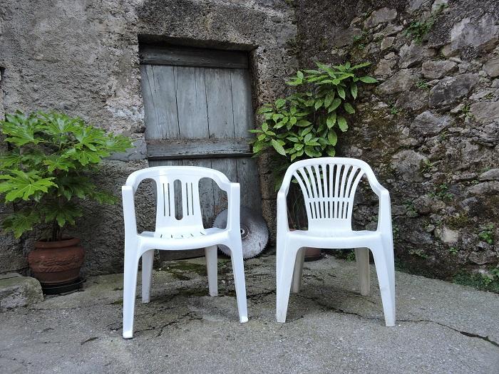 dwa_krzesla_fornovolasco_moja_toskania