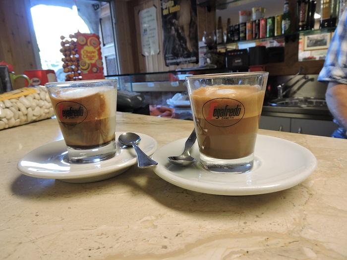 dwie_kawy_fornovolasco_bar_moja_toskania