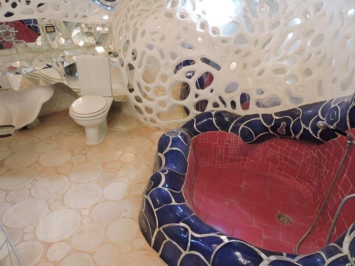 toaleta_w_rzezbie_moja_toskania