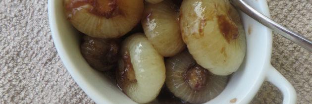 Duszone cebule borettane w sosie słodko-kwaśnym