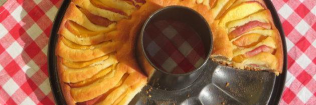 Ciasto brzoskwiniowe z ricottą