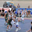 Koszykówka na Piazza Duomo